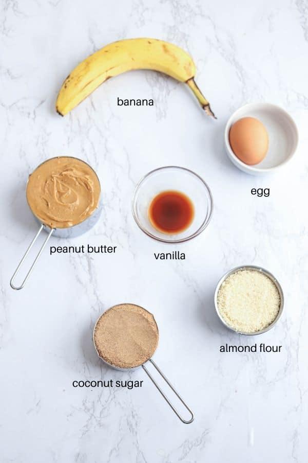 6 ingredients for flourless peanut butter banana cookies